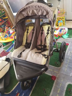 Baby trend expedition double jogger stroller for Sale in Los Angeles, CA