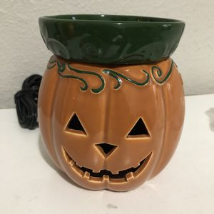 Scentsy- jack-o-lantern warmer for Sale in La Habra, CA
