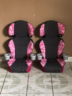TWO LIKE NEW EVENFLO BOOSTER SEAT for Sale in Riverside, CA