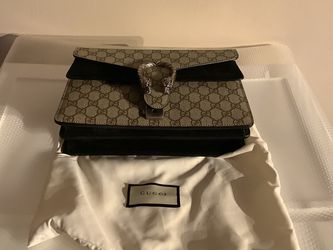 HAND BAG for Sale in Greater Upper Marlboro,  MD