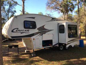 2008 Keystone Cougar 5th wheel for Sale in DeBary, FL