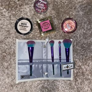 Makeup And Brushes for Sale in San Antonio, TX