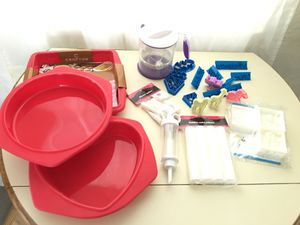 Cake supplies silicone bakeware cookies cutter for Sale in Miami, FL