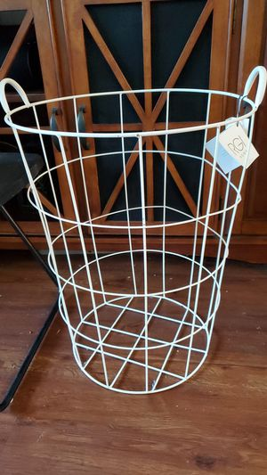 Laundry basket!! for Sale in Pembroke Pines, FL