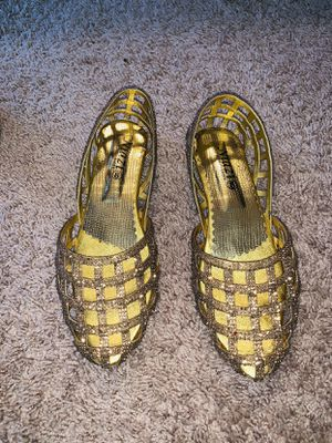 Gold sandals - size 8 for Sale in Alexandria, VA