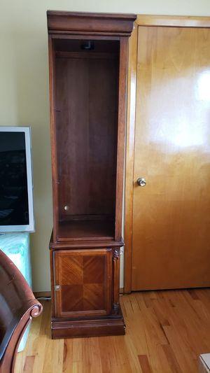 2 Corner Shelves for Dining or Living Room for Sale in Hackensack, NJ