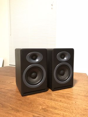 Excellent Audioengine P4 Bookshelf Speakers for Sale in Bakersfield, CA