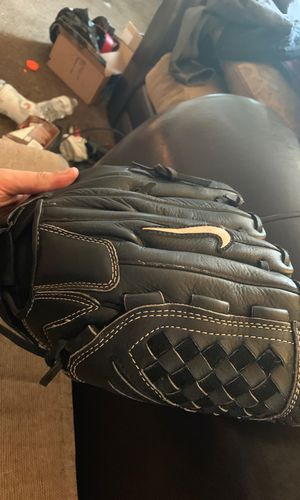 Nike black leather 12in baseball glove for Sale in Columbus, OH