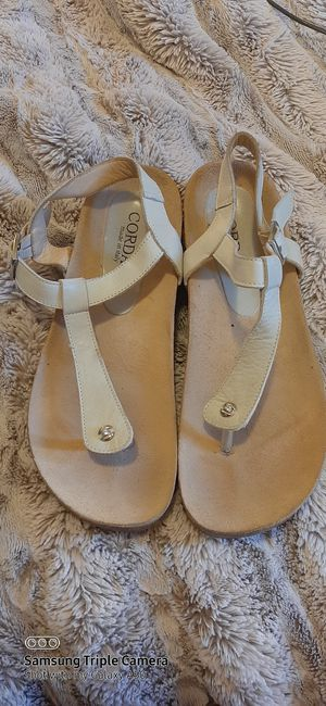 Cordani thong sandal for Sale in Johnson City, TN