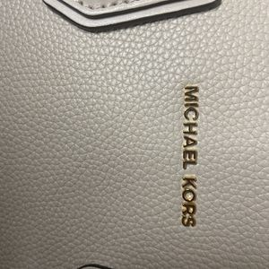 Michael kors purse for Sale in Graham, WA