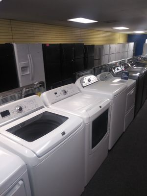 Maytag electric top load set washer and dryer in exellent condition for Sale in McDonogh, MD