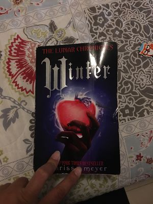 The lunar chronicles: winter by Marisa Meyer for Sale in Miami, FL