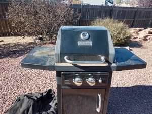 Two burner gas grill for Sale in Colorado Springs, CO