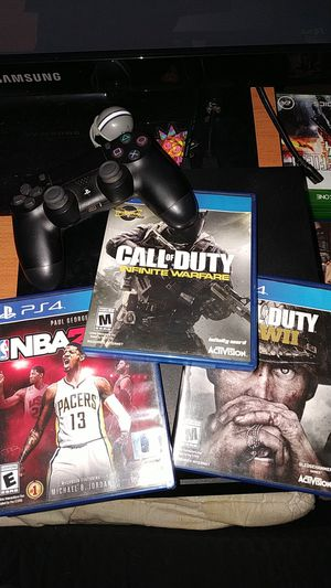 PS4 with etc for Sale in MINEHAHA SPGS, WV