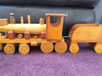 HANDMADE VINTAGE WOODEN TOY TRAIN for Sale in Darlington,  PA