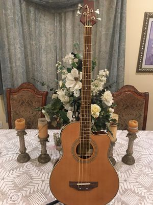 De Rosa electric acoustic bass (Bajoloche ) for Sale in Bell, CA