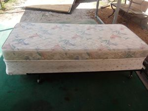 Twin size bed with metal frame for Sale in Fort Meade, FL