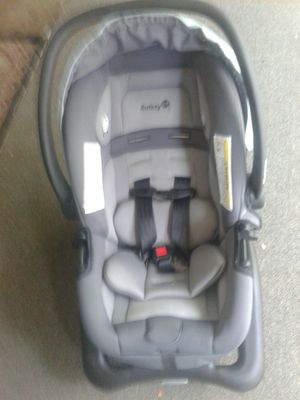 Safety 1st car seat & base for Sale in Rockford, IL