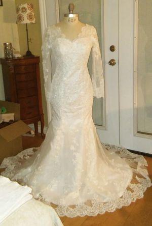 Beautiful Brand New Mermaid Style Wedding Dress for Sale in Rancho Cucamonga, CA