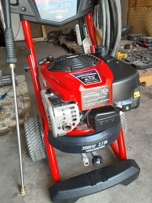 Troy-bilt pressure washer 3000psi 2.7gpm like new for Sale in Bloomington, CA