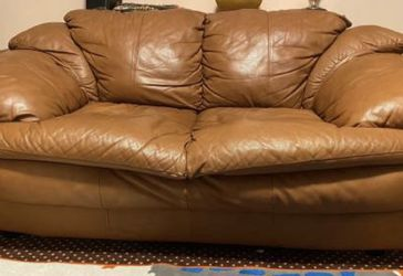 Brown Leather Love Seat for Sale in Gresham,  OR