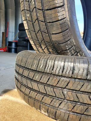 🔥 (2) 225 65 17 Michelin Defender Tires for Sale in Mundelein, IL