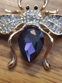 Amethyst Honey Bee Brooch for Sale in Wenatchee,  WA
