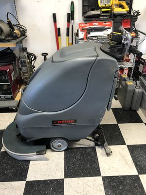 BetCo. Crewman AS20B Automatic Floor Scrubber for Sale in Whittier, CA