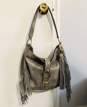 Leather purse hobo bag gray cobra with fringe G.i.l.i LIKE NEW !! NICE!! for Sale in Pinellas Park, FL