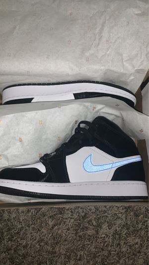 Air Jordan 1 Mid Racer Blue White black GS for Sale in West Covina, CA