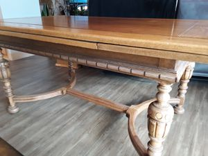 Antique Dining table w. 6 chairs for Sale in Leavenworth, WA