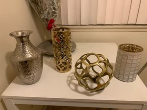 Home Decorations Gold/Silver for Sale in Los Angeles, CA