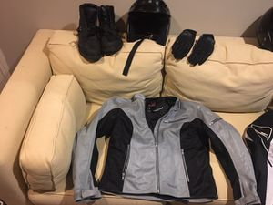 Motorcycle gear (men's and women's sets) for Sale in Gig Harbor, WA