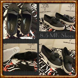 Michael Kors- Woman's size 8.5 shoes for Sale in Rosemead, CA