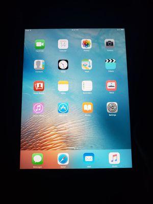 iPad mini w magic cover and keyboard for Sale in San Antonio, TX