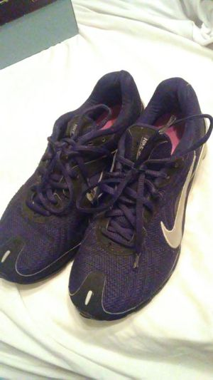 Women nike tennis shoes for Sale in Las Vegas, NV