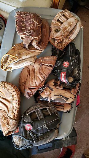 Baseball gloves for Sale in Mukilteo, WA