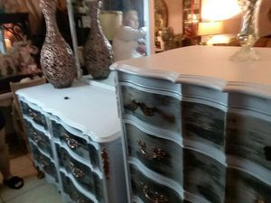 Dresser and chest for Sale in Kissimmee, FL