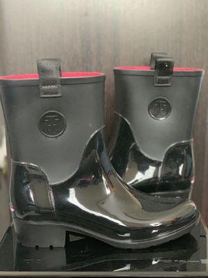 Tommy Hilfiger rain boots for Sale in Ellenwood, GA