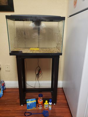 FISH TANK (21 gal. ) for Sale in Orlando, FL