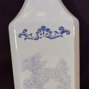 Vintage Andros Distillery Milk. Glass Liquor Bottle-1977 for Sale in Duncanville, TX