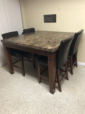 High top dinner table for Sale in Miami, FL