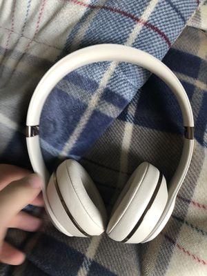Beats solo 3 wireless for Sale in Edwardsville, IL
