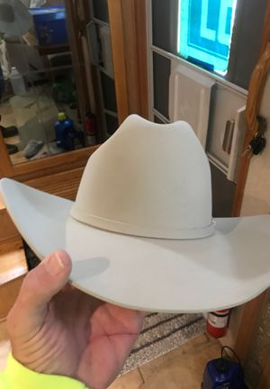 Resistol 6 xxxxxx hat size 7 3/8 Wore 2 times great condition no stains at all for Sale in Vidor, TX
