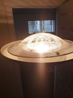Nice tall black floor lamp for Sale in Mount Vernon, WA