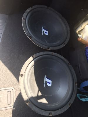 Dual subwoofers with box enclosure for Sale in Fullerton, CA