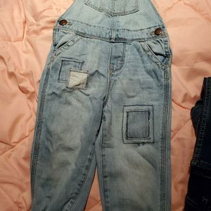 Osh Kosh Overall Jeans 2T/3T for Sale in Dinuba, CA