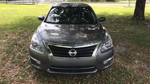 Nissan altima 2015 54k rebuilt 8500$ for Sale in Hialeah, FL