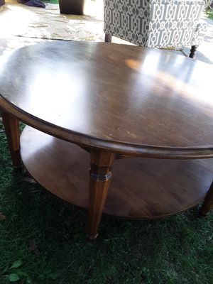 Nice wood coffee table for Sale in Fresno, CA