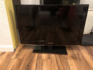 32 inch Samsung TV for Sale in South Bend, IN